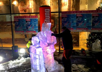 Live Street Ice Sculpture