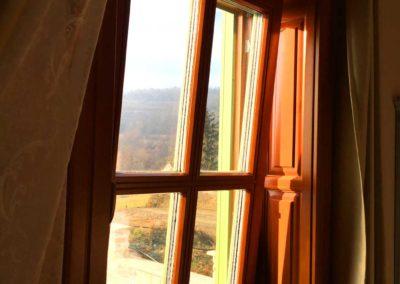Window that Tilts